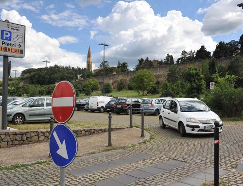 Arezzo: Where to park to reach the historic center.